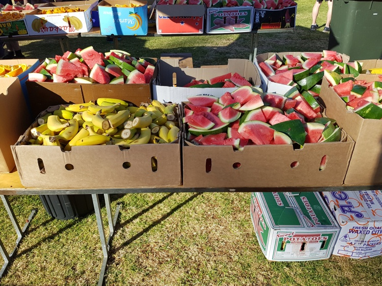 Free fresh fruit to re-fuel with after the race. A great idea!!!